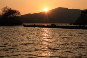 桧原湖の落日