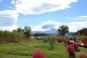 河口湖畔での「笠雲」と「つるし雲」